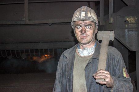 Старший агломератчик Михаил Кожевников.