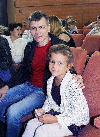 Начальник шахты «Естюнинская» Алексей Медведев с дочерью Лизой.