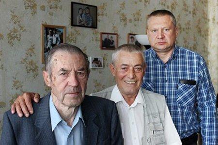Три поколения механиков: Евгений Романов, Николай Петрунин, Сергей Громов.