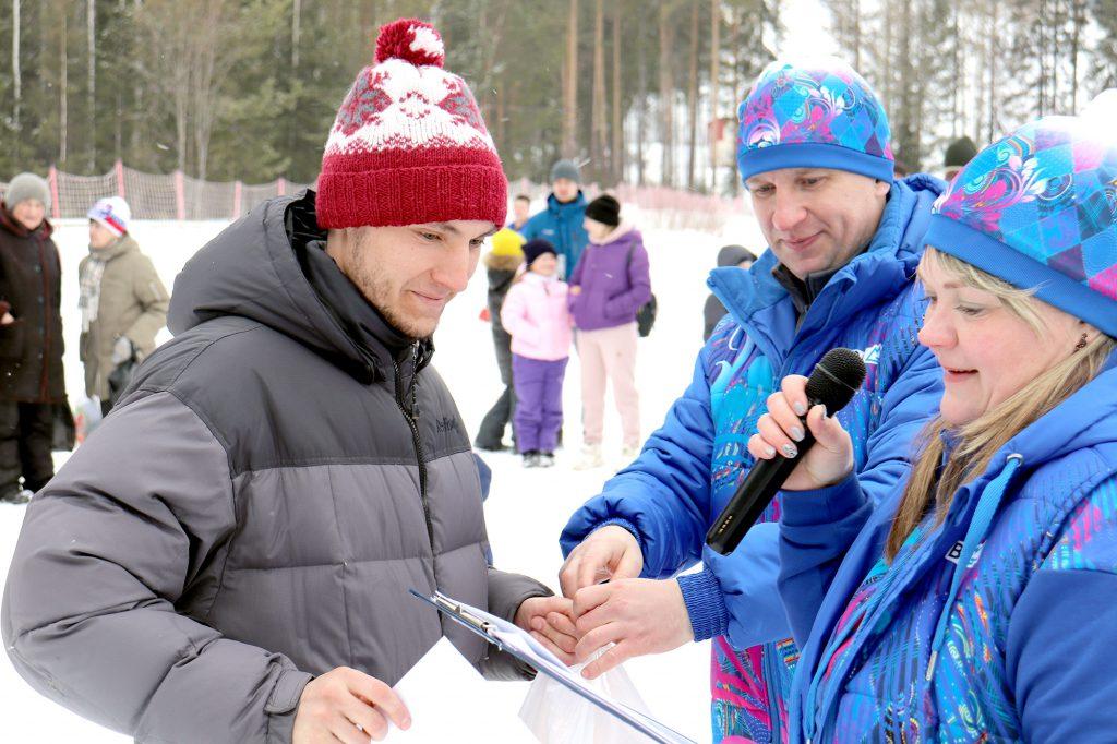 Награждается Артем Макаров.